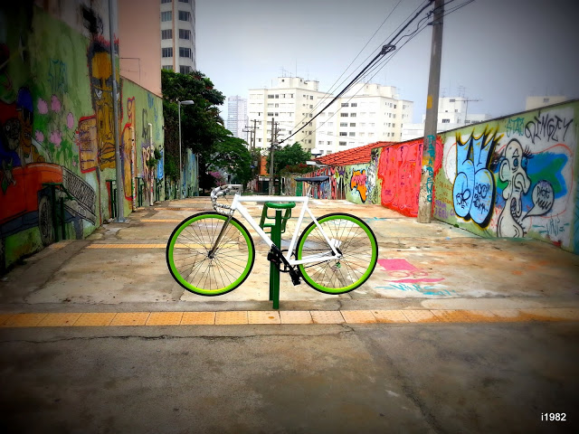 fixie cards, fixed gear inside at Vila Madalena
