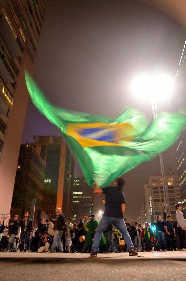 Último dia do outono brasileiro - 20/06/2013 - Pax, Paulista