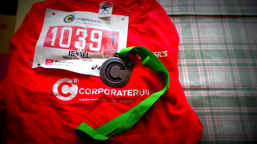Corporate Run 10k 2013 - Camiseta, número de peito e medalha da prova